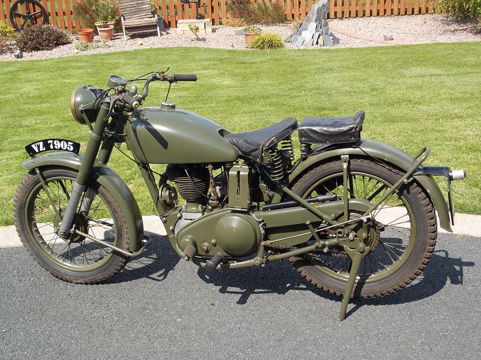 1942-Matchless-G3L-350cc-picture-2