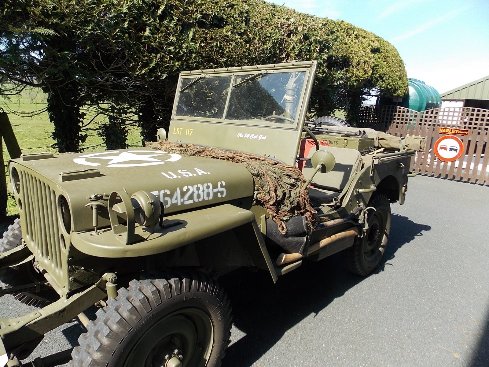 1945-Ford-GPW-Jeep-side-view-The-Abingdon-Collection-2017